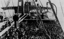 Barcone di emigranti spagnoli respinti in algeria