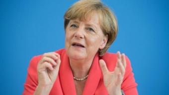 Immigrazione, Bruxelles: 'Regole comuni su asilo'. Merkel: 'C'è accordo: l'Italia va aiutata'