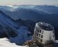 """Il futuristico """"Refuge du Goûter"""" sul Monte Bianco"""