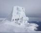 """La Capanna Margherita trasformata in un """"castello di ghiaccio"""""""