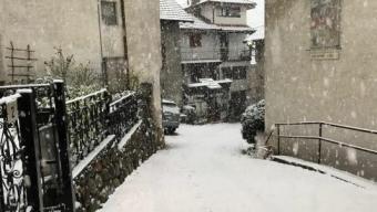 Nevicata del 28 Aprile 2017 a Ganna a 400 metri di quota in provincia di Varese