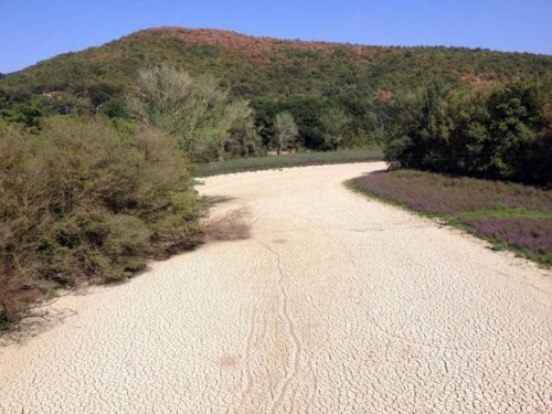 Nera river bed dry out caused by the dry season in Amalia, Terni district, Italy, 10 September 2012. Drought damaged season farming in Italy Coldiretti (Farmer Union) said. ANSA/LUCIANO DEL CASTILLO