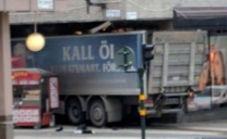 Stoccolma, camion sulla folla: ci sono dei feriti, tre morti. Emittente: sentiti spari
