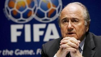 """L'Impero di """"Sepp"""" Blatter: il gran rifiuto all'Italia nel 2006"""