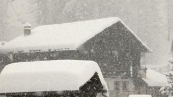 La Stampa 15 Gennaio 1985: Crescono i disagi per le forti nevicate che hanno investito le regioni settentrionali