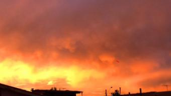 Cielo Apocalittico su Santiago del Cile prima del grande Terremoto