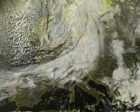 sabato con nuvolaglia e qualche fenomeno locale al nord, domenica più sole quasi ovunque